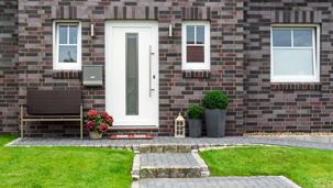 Fenster und Haustüren bekommen Sie im Bauzentrum Leipfinger.
